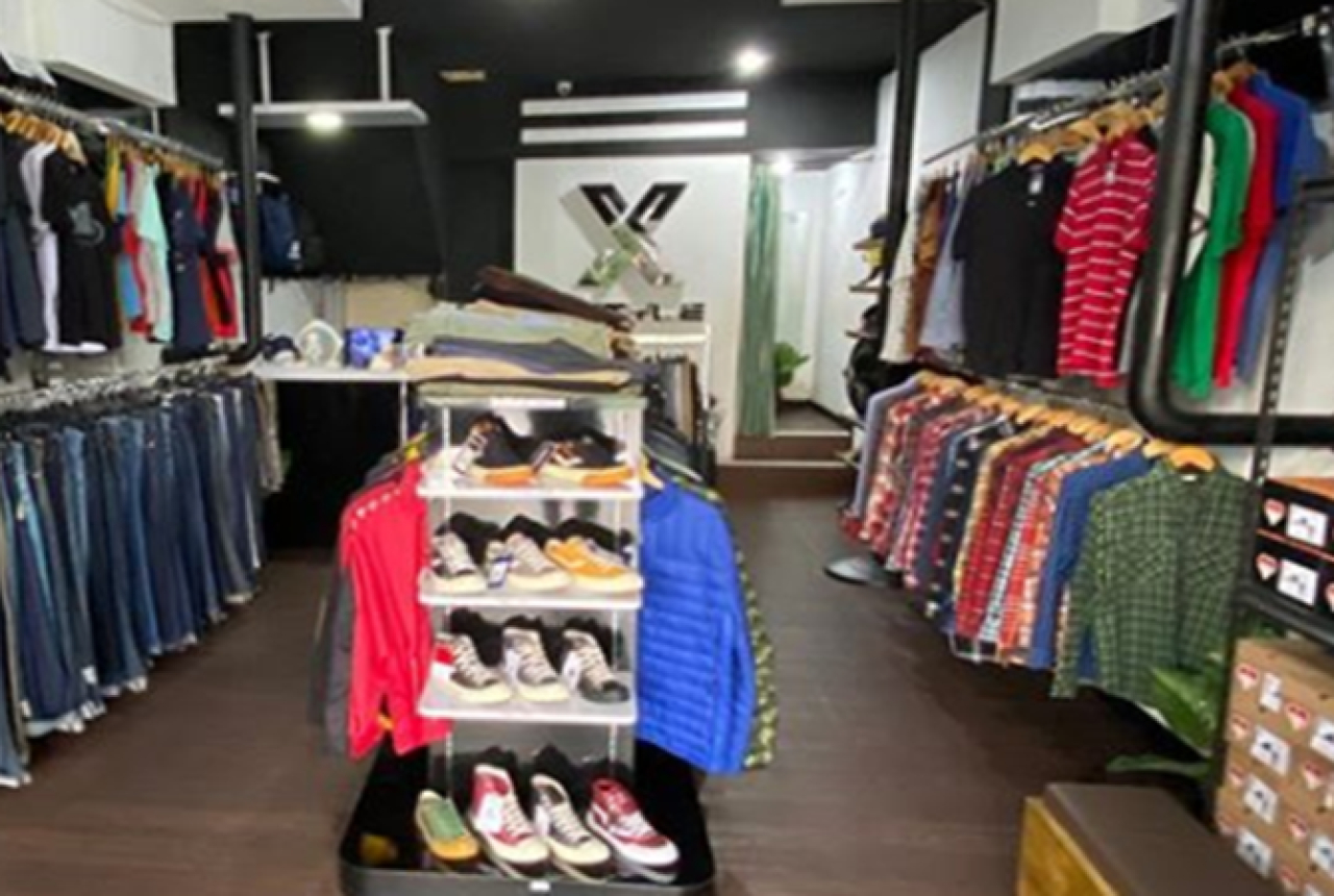 Pencinta Thrifting Merapat! Xstyle Branded Store Luber Pilihan Lo - GenPI.co