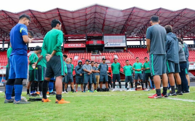 Luis Milla Bikin Suporter Timnas Indonesia Baper & Gagal Move On