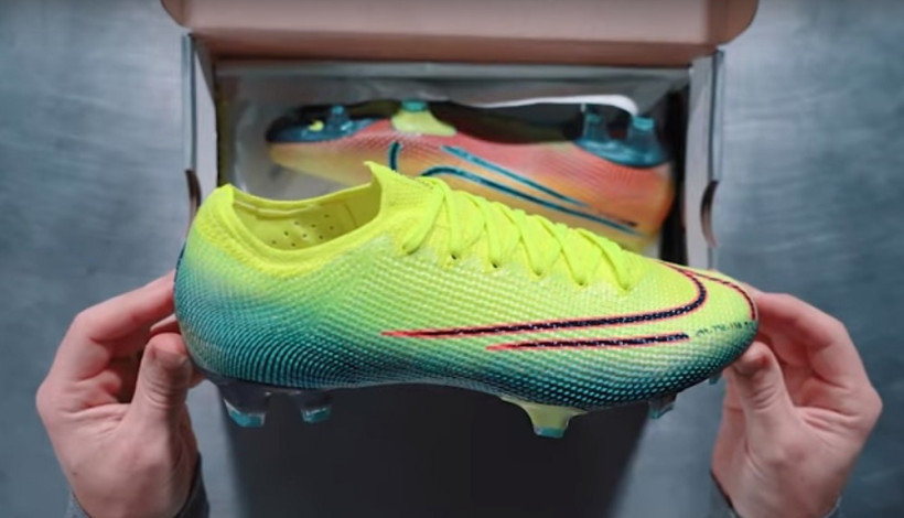 Merumput Dengan Nike Mercurial Superfly 7 Dream Speed 2