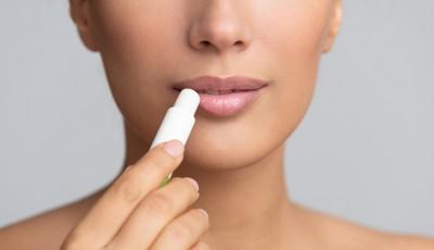 Lip Serum vs Lip Balm: Apa Bedanya dan mana Lebih Baik? | Genpi.co - Palform No 1 Pariwisata Indonesia
