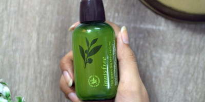 Innisfree Green Tea Seed Serum: Tumpas Jerawat Sampai ke Akar | Genpi.co