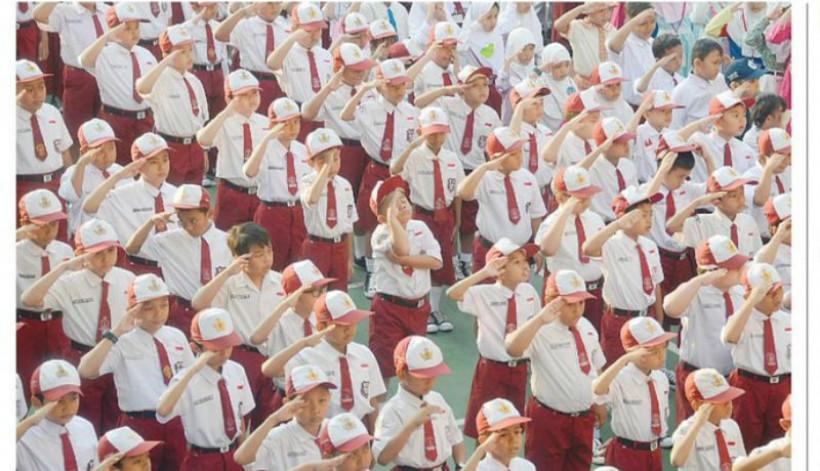 Download 91 Koleksi Gambar Lucu Anak Sekolah Upacara Terbaru
