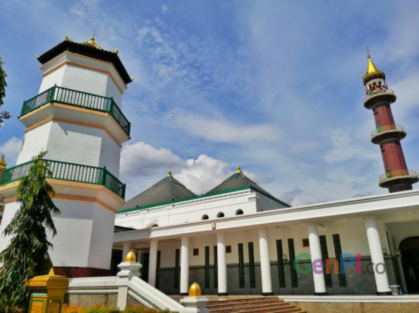 Menikmati Kemegahan Dan Keunikan Masjid Agung Palembang