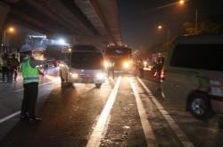 Larangan Mudik, Ribuan Mobil Dipaksa Putar Balik di Tol Cikampek | Genpi.co - Palform No 1 Pariwisata Indonesia