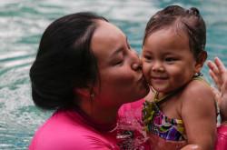 Luar Biasa! Usia 2 Tahun Kiara Belle Kit Pecahkan Rekor Berenang | Genpi.co - Palform No 1 Pariwisata Indonesia