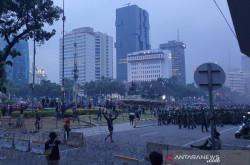 Remaja Ikut Demonstrasi di Jakarta, Sikap TNI Luar Biasa   Genpi.co - Palform No 1 Pariwisata Indonesia