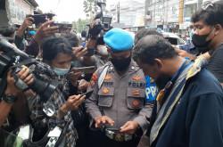 Taktik Maut Polri Mengerikan, Terduga Teroris Condet Memberontak   Genpi.co - Palform No 1 Pariwisata Indonesia