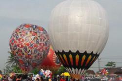 Meriah, Puluhan Balon Udara Terbang di Langit Wonosobo | Genpi.co - Palform No 1 Pariwisata Indonesia