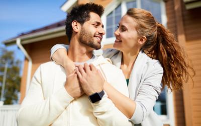 Nggak Romantis, Tapi 3 Zodiak Bisa Bikin Pasangan Kelepek-kelepek