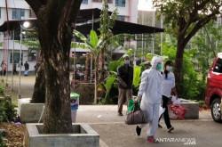 Pasien Isoman di Solo Terus Dievakuasi ke Isolasi Terpusat | Genpi.co - Palform No 1 Pariwisata Indonesia