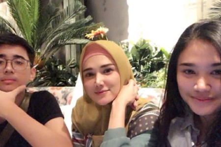 Jarang Disorot, Anak Kedua Mulan Jameela Ganteng Banget!