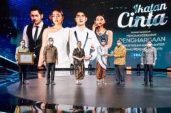 Sinetron Ikatan Cinta Dapat Penghargaan dari Menko Perekonomian   Genpi.co - Palform No 1 Pariwisata Indonesia