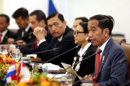 Pakar: Indonesia Turun Kelas, Gambaran Sulitnya Masyarakat