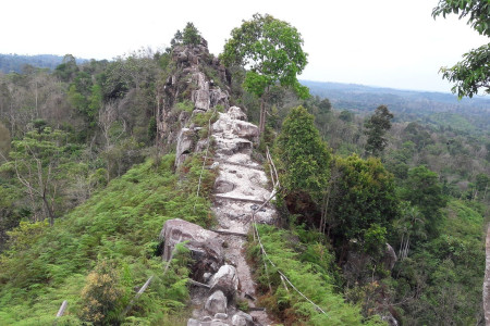 Bukit Batu Dinding, Wisata Kece Meski Belum Tersohor