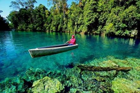 Danau Labuan Cermin Punya Rasa Laut dan Tawar, Pesonanya Wah!