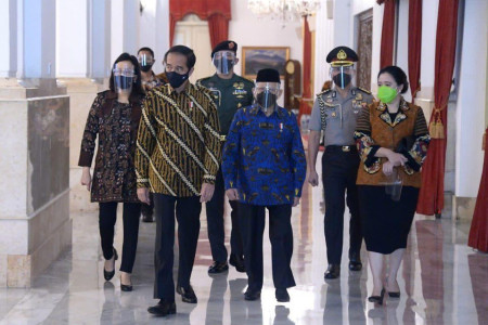 Jokowi Jadi Sasaran Tembak Puan Cs,Analisis Kapitra Ternyata...
