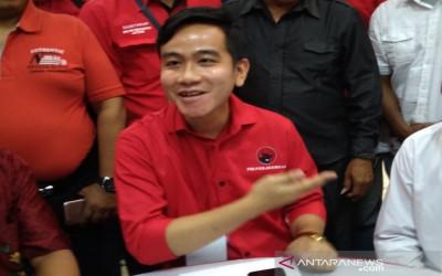 Luar Biasa, Partainya Yusril Dukung Anak dan Mantu Jokowi