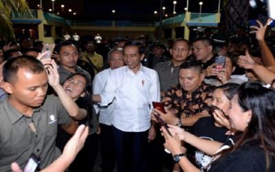 Please Dah Jokowi Jangan Latah Soal Menteri milenial