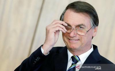 Meski Kena Corona, Presiden Brasil Tetap Segar Bugar