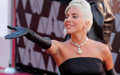Bawa Lagu Kebangsaan AS, Lady Gaga Tampil di Pelantikan Biden