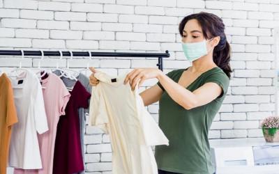 4 Cara Menghilangkan Noda Membandel Bekas Soto di Pakaian Putih