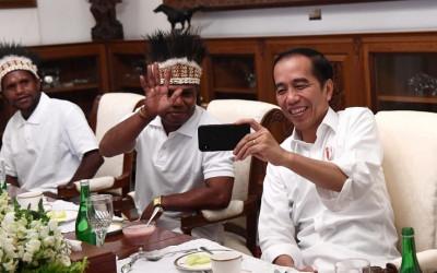 Diundang ke Istana, Dua Pemuda Papua Sampaikan Hal ini ke Jokowi