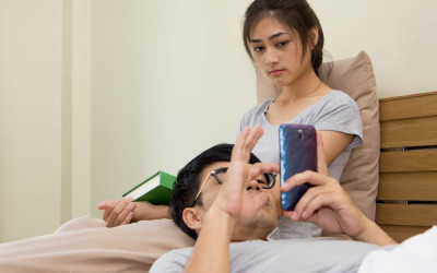 3 Hal Ini Bisa Memunculkan Niatan Selingkuh Setelah Menikah