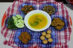 Begini Aturan Makan Badulang | Genpi.co - Palform No 1 Pariwisata Indonesia