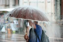 Traveling di Musim Hujan Bisa Mengasyikkan, Ini Caranya   Genpi.co - Palform No 1 Pariwisata Indonesia
