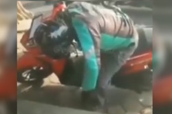 Drivel Ojol Tewas di Atas Motor di Magelang | Genpi.co - Palform No 1 Pariwisata Indonesia